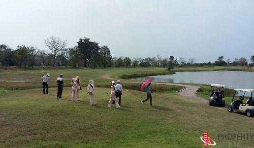 ขายสนามกอล์ฟ 18 หลุม ติดแม่น้ำท่าจีน เขตบางเลน จ.นครปฐม