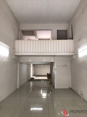 ให้เช่าตึกแถว 3 ชั้น ลาดพร้าว 71 ซอยนาคนิวาส