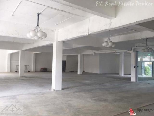 ขายอาคาร 4 ชั้น สุขุมวิท 71 ซอยปรีดีพนมยงค์ 4,000